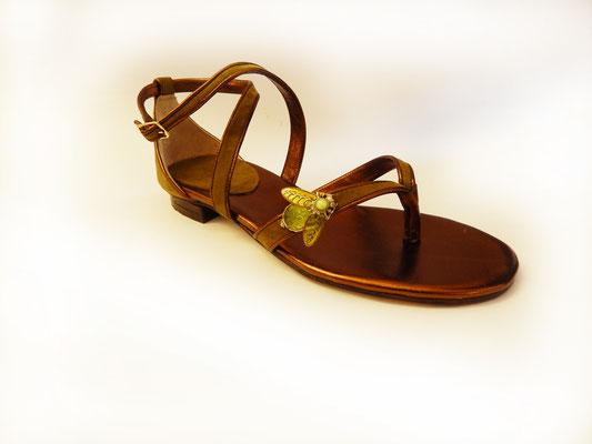 infradito, ballerina, hearth, fatto a mano in italia, fatto a roma, scarpe artigianali, scarpe lusso. moda, stile, eleganza, design, artigianato romano, scarpe di qualità, vera pelle