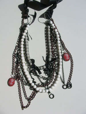 gothica, hearth, fashion necklaces, gothic look, dark look, handmade in italy
