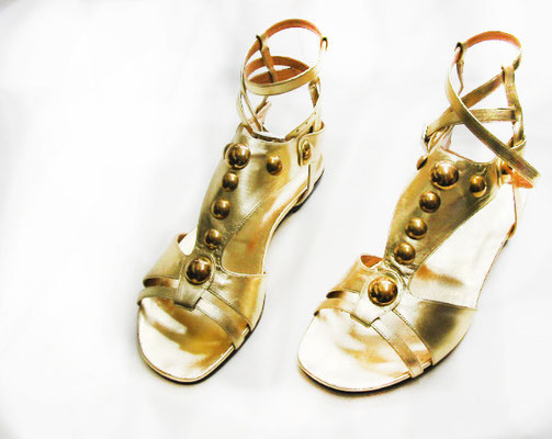 roman sandals, golden sandals, shiny shoes, handmade in Italy, handcrafted shoes, handmade shoes, bespoke shoes, made to order shoes, hearth, artisanal luxury shoes, luxury shoes, quality shoes