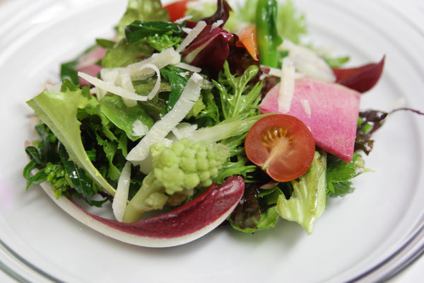 自家農園野菜のサラダ