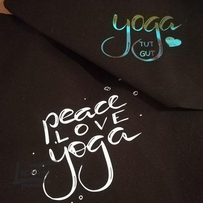 """Yoga tut gut"" ""Peace love yoga"""