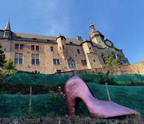 Marburg - Blick auf das Schloss: Station vom Grimm-Dich-Pfad
