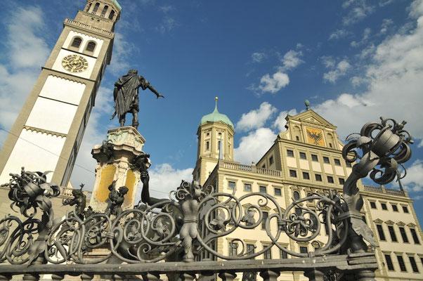Rathaus mit Perlachturm und Augustusbrunnen © Friedrich Stettmayer