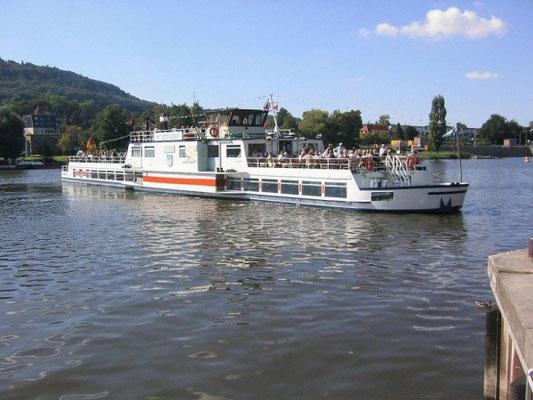 Ausflugsschiff auf der Weser © Hameln Marketing und Tourismus GmbH