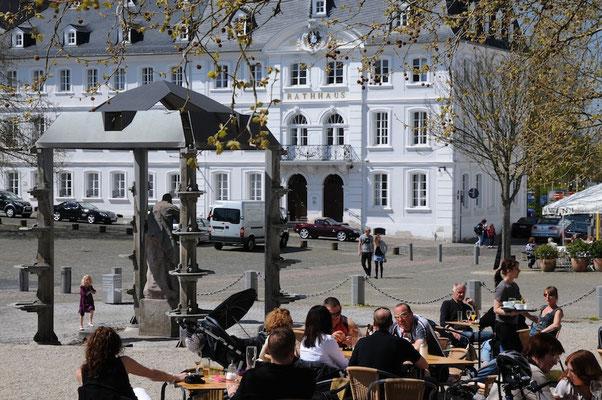 Saarbrücken - Schlossplatz mit Altem Rathaus © Jürgen Proföhr, AG BarockStraße SaarPfalz