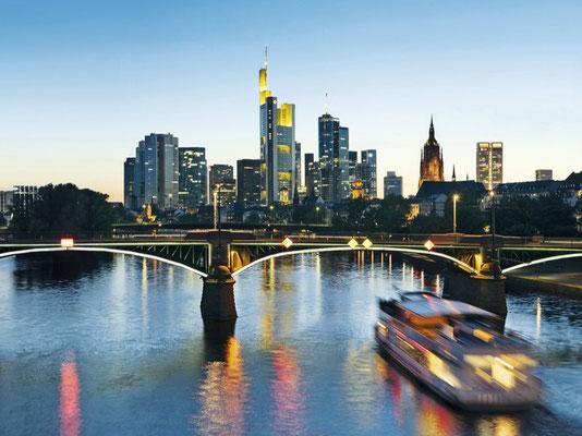 Blick auf die Frankfurter Skyline © Jahreszeitenverlag, Gerald Hänel