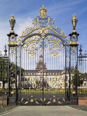 Das Tor zum Schloss Philippsruhe (Rechte: Medienzentrum Hanau).