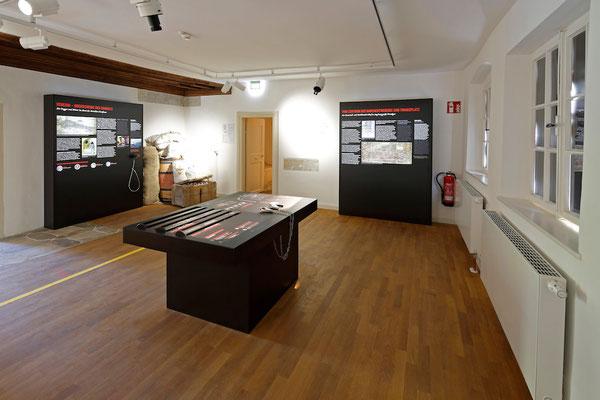 Fugger und Welser Erlebnismuseum - Raum Fondaco, Spieltisch © Norbert Liesz