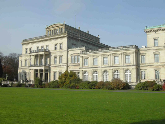 Die Villa Hügel in Essen war früher das Wohnhaus der Familie Krupp und dient heute unter anderem als Musen © Route der Industriekultur