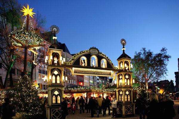 Weihnachtsmarkt am Dom - Copyright Dieter Jacobi / KölnTourismus GmbH