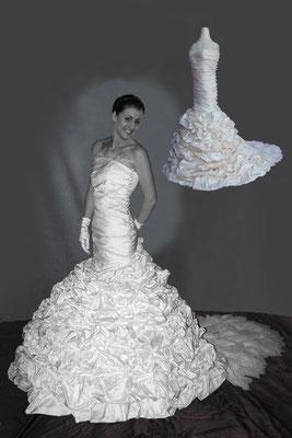 Reproduction miniature de votre robe de mariée ! Entre 150,00 et 250,00 euros selon modèle et faisabilité