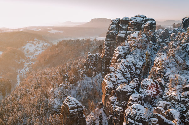 Winterlich verträumter Raaber Kessel. (Januar)