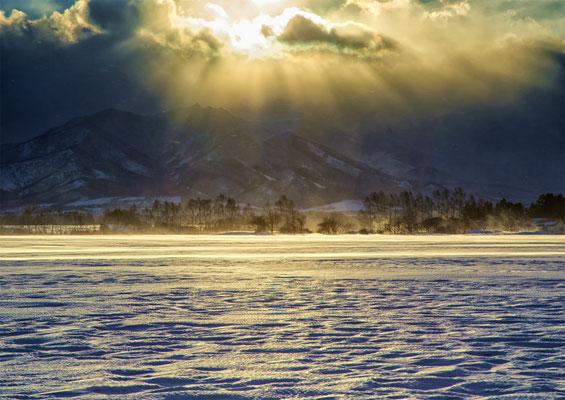 氷点の美「束の間の光芒」 北本 修