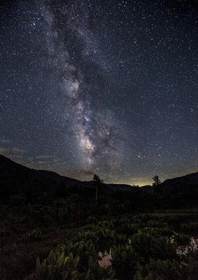 「輝く銀河」 山本 光造