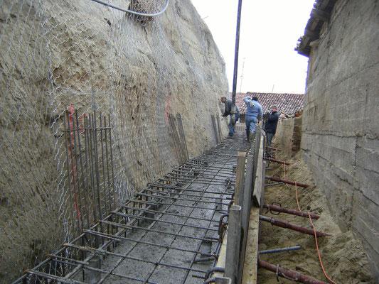 """Consolidamento pareti - Realizzazione in C.A. """"testa-palo"""" - Piemonte CN"""
