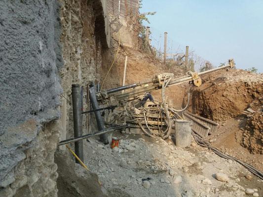 Realizzazione berlinese tirantata con copertura spritz beton - Piemonte - CN