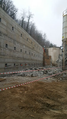 Completamento paramento davanti berlinese tirantata con successivo tensionamento - Piemonte -CN