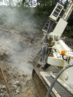 Barriere debris flow -posizionamento barriera per contenimento di colate detritiche - Piemonte CN