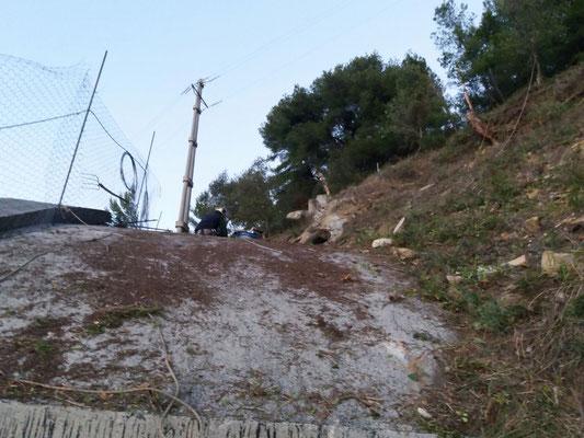 Disbosco e posa reti paramassi sopra galleria stradale - Liguria -  Provincia di Imperia
