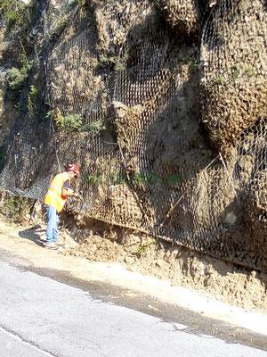 Manutenzioni e svuotamenti reti paramassi - Piemonte - Provincia di Cuneo