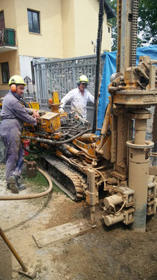 Perforazione per realizzare pozzo di 15 mt di profondità ad uso agricolo - Piemonte - CN