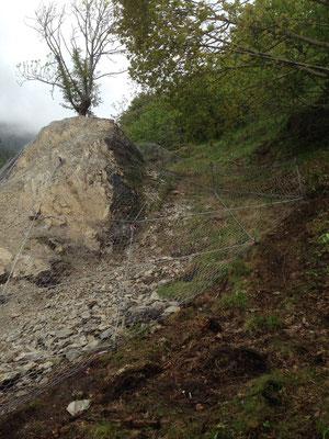 Messa in sicurezza versante - Posizionamento reti paramassi per consolidamento versante - Piemonte - Provincia di Cuneo