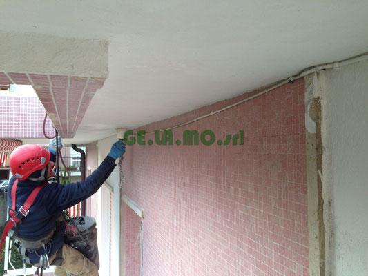 Manutenzione condominio - Verniciatura balconi