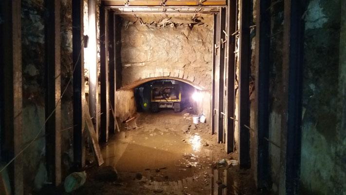 Perforazione ed iniezione ad alta pressione in canale idroelettrico - Piemonte - Provincia di Torino