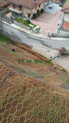 Rivestimento con reti R.E.C.S di scarpata e armatura composta di funi e tiranti profondi - Piemonte - CN