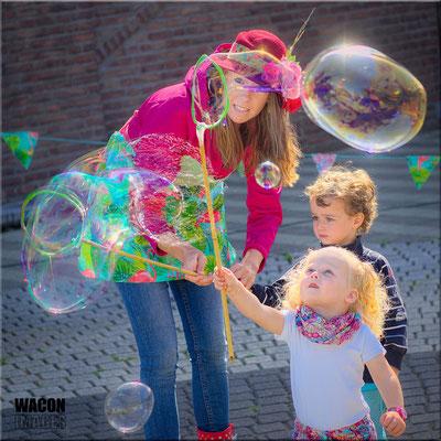 reuzenbellen blazen, reuzenbellen, reuzebellen, reuzebellen blazen, workshop reuzenbellen, reuzenbellen vlaanderen, reuzebellen brabant, reuzenbellen limburg, reuzenbellen amsterdam, lappie lapstok, kinderanimatie,  brugge reuzenbellen,