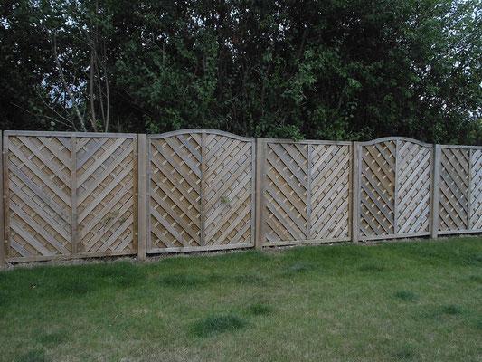 CAZORLA TP : clôture en bois pour travaux d'aménagement extérieur
