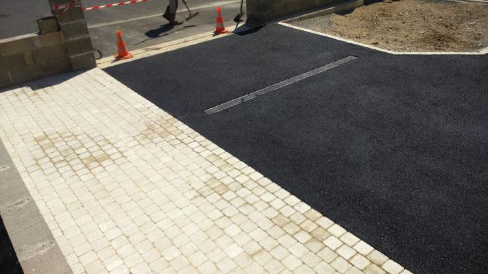 CAZORLA TP : cour enrobés et pavés pour travaux d'aménagement extérieur