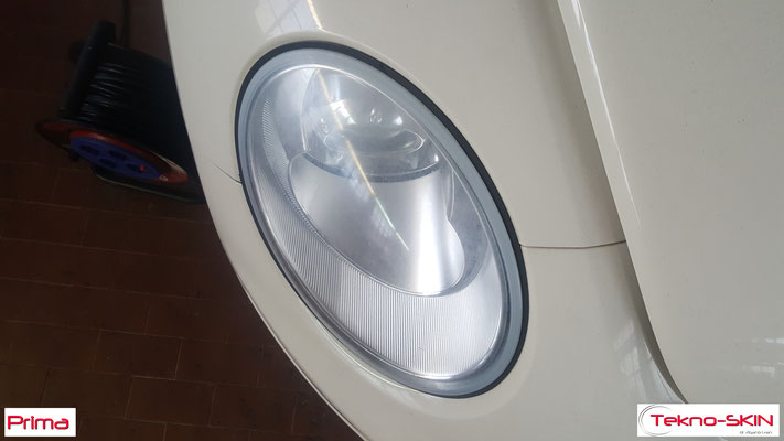 LUCIDATURA FARI ANTERIORI VW NEW BEETLE  Lucidatura Avanzata - Prima