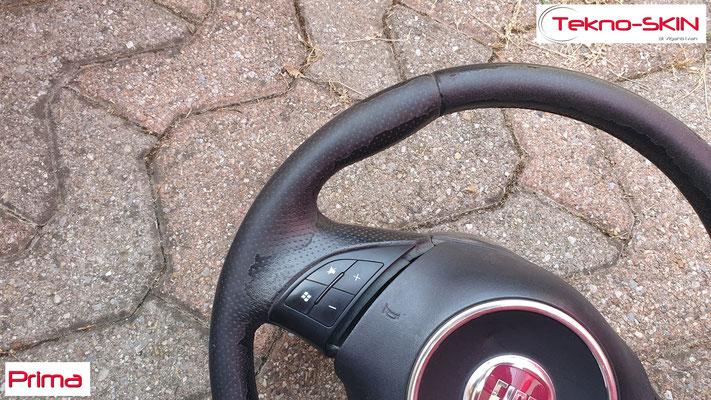 VOLANTE FIAT 500  Ripellamento completo eseguito:  - Volante Ripellato in Pelle Tramata Nera Sopra e Sotto  - Pelle Punzonata zona Impugnatura  - Cucitura Nera - Prima