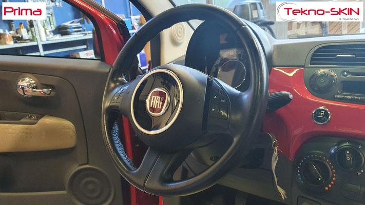 VOLANTE FIAT 500  Ripellamento completo eseguito:  - Volante Ripellato in Pelle Liscia Nera  - Cucitura Nera - Prima