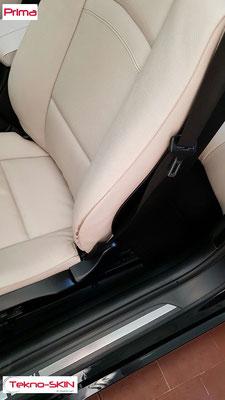 RISTRUTTURAZIONE SPALLINE SEDILI PELLE BMW 320 Ristrutturazione e Colorazione Spalline Esterne sedili Lato Guida e Passeggero - Prima