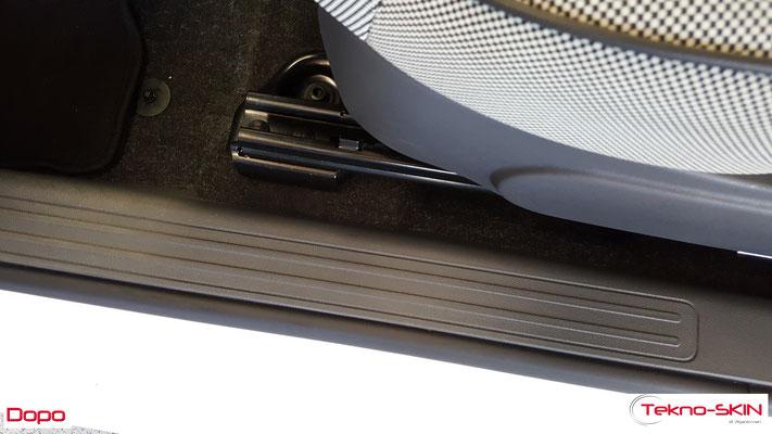 RIPARAZIONE MOQUETTE FIAT 500  - Riparazione Buco da Sigaretta Lato Guida  - Copertura con Fibre a colore per nascondere riparazione - Dopo