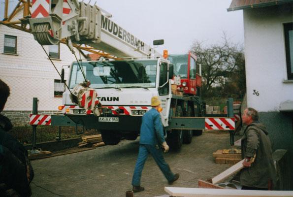 Kranwageneinsatz für Keller Elemente