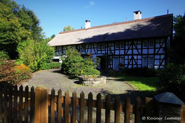 Altes Fachwerk Haus bei Ahlbach
