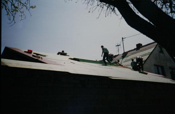 Dachschalung befestigt