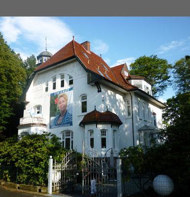"""...BEI UNS, in der Jugendstilvilla """"Burg Vossloch"""""""