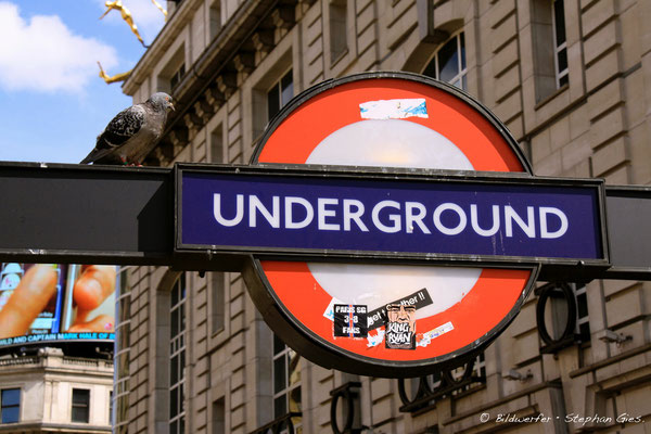 London Underground • Station am Piccadilly Circus