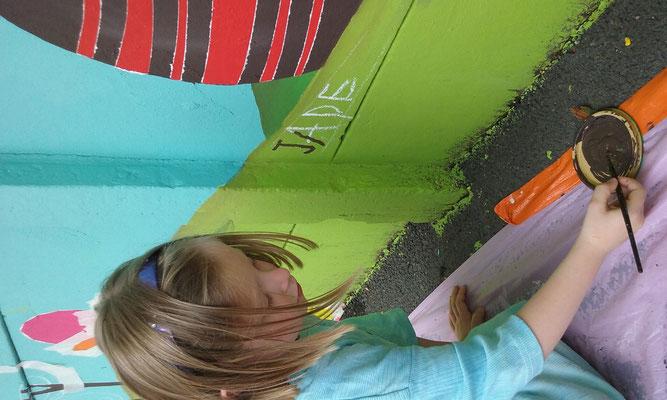 Fersque murale Etape 3 : prendre le pinceau pour s'attaquer à de plus petit pinceau