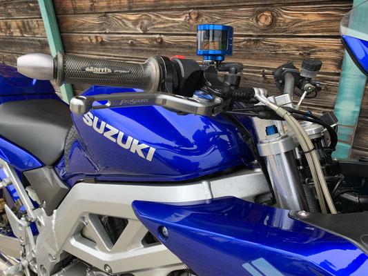 SUZUKI SV1000S (2005), Umbau Nr. 2, RIZOMA, Stahlflexbremsleitungen, Superbikelenker, einstellbarer Brems- / Kupplungshebel