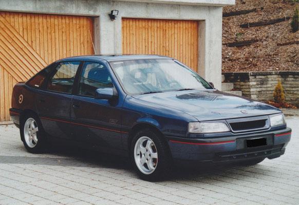 Opel Vectra GT mit Alufelgen, Frontgrill und Schweinwerferblenden