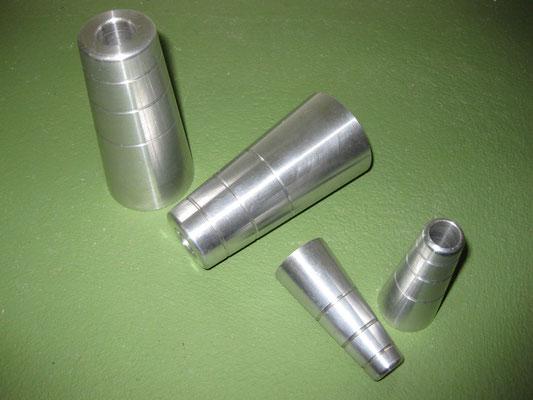 Sturzpads aus CNC gefertigtem Aluminium. Kann nach Wunschfarben eloxiert werden.