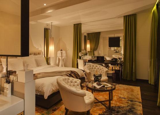 Zimmer mit integriertem Bad