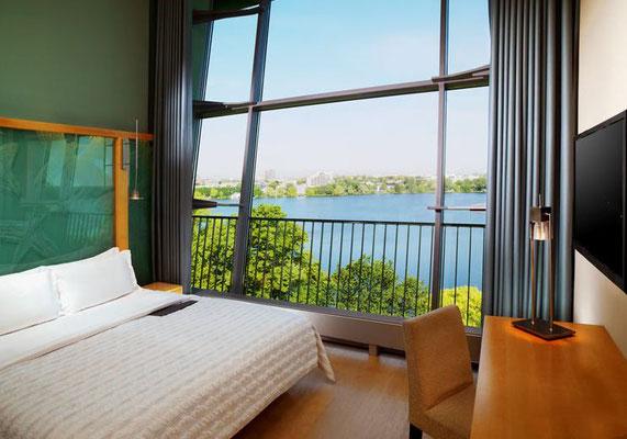 Zimmer mit Blick auf die Alster