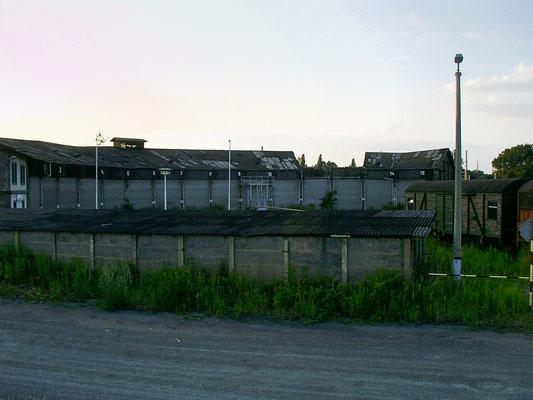 Juli 2003, einen Tag nachdem das Dach eingefallen war.