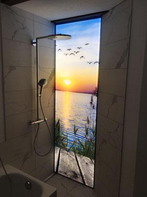 Glas-Leucht-Rückwand mit LED, dimmbar, stufenlos regulierbar zwischen kalten und warmen Tönen